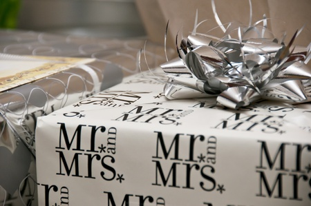 mr and mrs: Wedding present Stock Photo