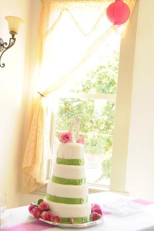 Hochzeitstorte Standard-Bild - 12753035