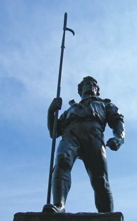 eire:   View statue commemorating the men of Wexford who fought in 1798