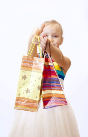 Your gifts to the little girl on holiday photo