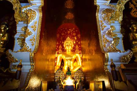 Buddha statue, Watphadarabhirom Mae rim Chaing Mai, Thailand