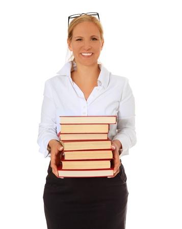 Bibliothécaire transportant la pile de livres. Tout sur fond blanc.