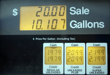 Gas prices below 2 dollars per gallon, low cost relative to summer prices in US