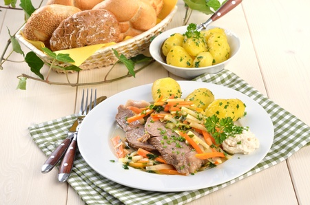 Prime boiled beef with root vegetables and butter potatoes (Viennese Tafelspitz) Reklamní fotografie - 11589834