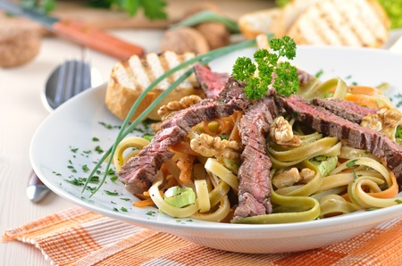 ribbon pasta: Pasta with grilled beef tenderloin
