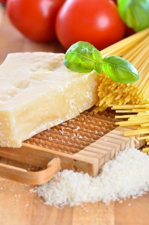 queso rallado: Italiano queso parmesano Foto de archivo