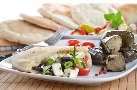 pita bread: Greek appetizers