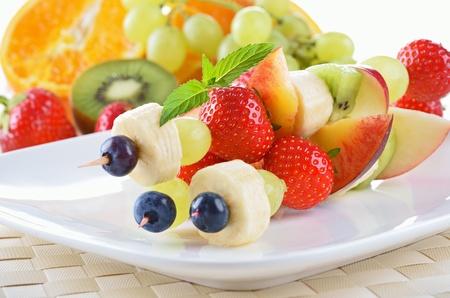 串で旬のフルーツが熟して夏