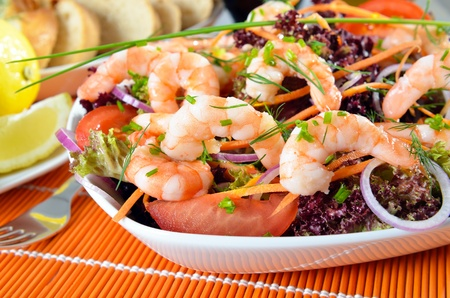 entree: Italian salad with shrimps