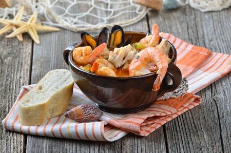 Fischsuppe Standard-Bild