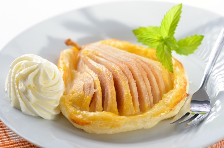 Pear with honey on puff pastry Stock Photo - 14366999