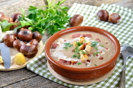 Fresh chestnut soup with bacon