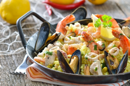 Tasty Spanish paella with seafood and chicken breast Reklamní fotografie - 18265849