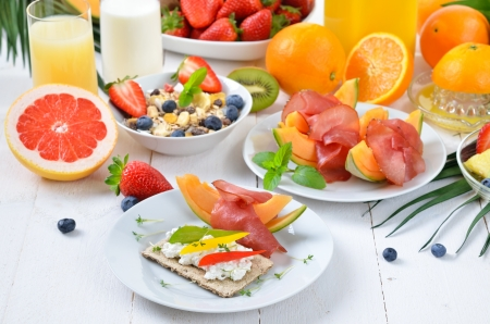 Healthy breakfast with fresh fruit, crispbread, lean ham and cottage cheese Stock Photo - 19055513