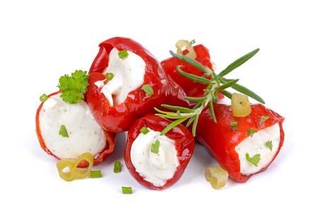 Rode hete pepers gevuld met feta en roomkaas