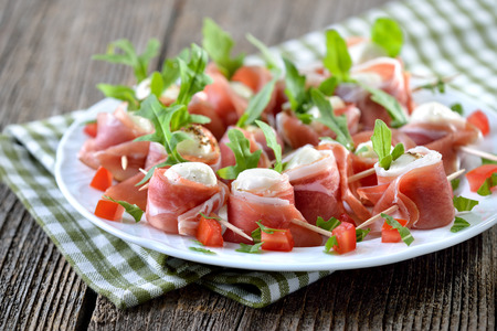 smoked bacon: Mozzarella balls with delicious South Tyrolean smoked bacon