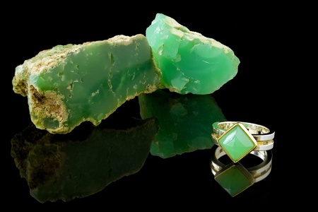 Chrysoprase Ring And Rough