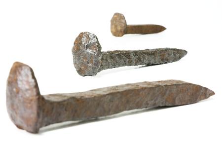 oxidado: Rusty clavos de hierro del ferrocarril