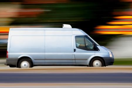 carga: R�pida azul van siempre es tiempo, panor�mica y desenfoque Foto de archivo