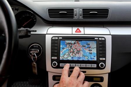 Autodashboard van de met gps deelvenster, reizen en technologie achtergrond