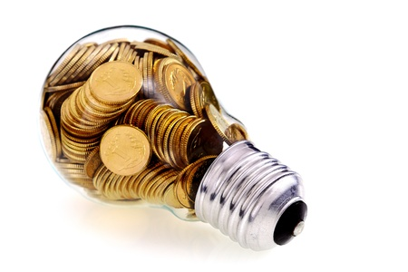 electricity prices: Traditional glass bulb and energy savings