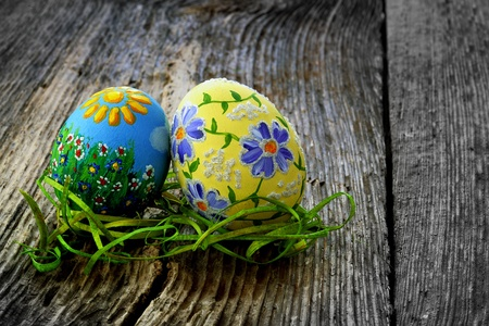 Easter eggs and  natural wooden country table, background and texture Stock Photo - 12593886