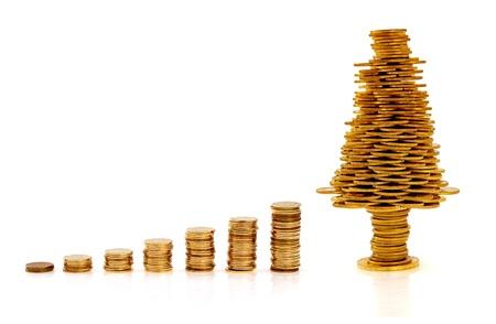 Happy Christmas tree gemaakt van gouden munten, business metafoor