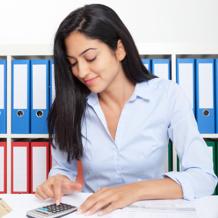 iraq: Turkish businesswoman at office