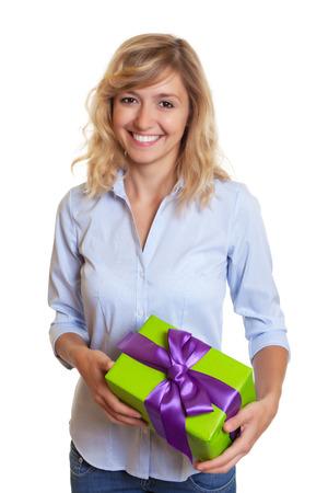 cabello rubio: Mujer de risa con el pelo rubio rizado y de la Navidad