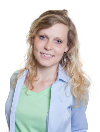 cabello rubio: Retrato de una mujer escandinavo risa con el pelo largo y rubio