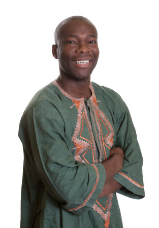 伝統的な服とスマートのアフリカ人