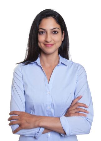 Aantrekkelijke Turkse onderneemster met gekruiste armen