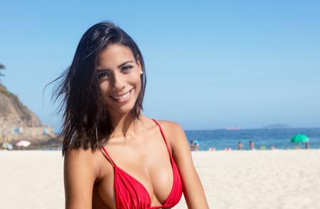 ビキニでビーチは、夏に屋外でメキシコの女 写真素材