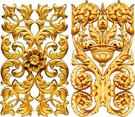 白い背景に分離された黄金のバロック
