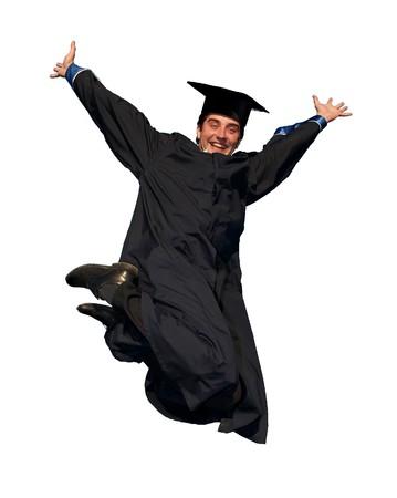 licenciatura: Smiley joven estudiante graduado en traje de saltar con los brazos abiertos