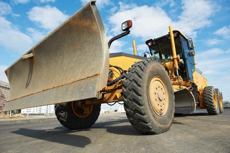 road tractor: road grader bulldozer