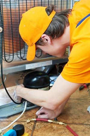 agd: naprawy urządzenia lodówka