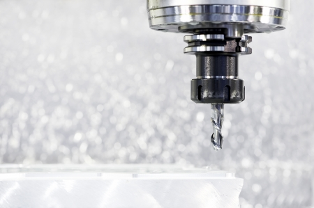 frezowanie: Close-up proces obróbki metali przez młyn