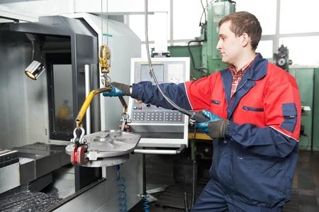 cnc machine: worker hoisting detail tool