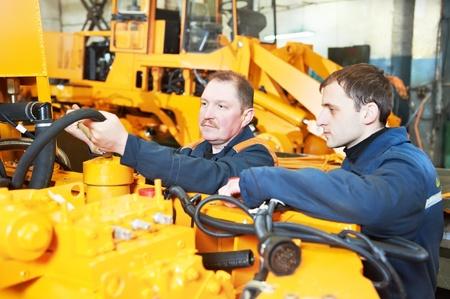 operante: esperti lavoratori assembler industriali