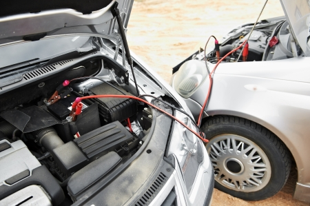 power cables: starting car engine with battery jumper cables