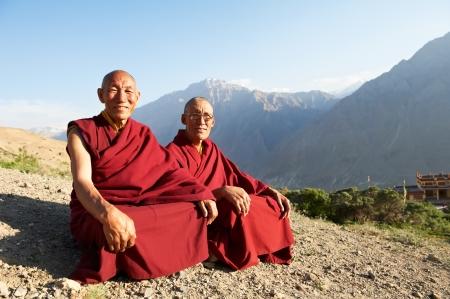 monjes: Dos indios monje tibetano Dalai Foto de archivo