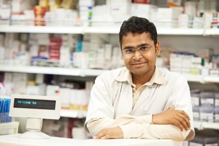 farmacia: Farmacia qu�mico mujer en farmacia