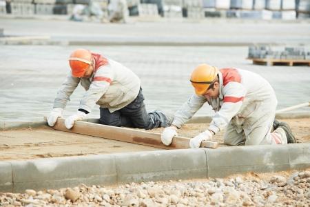 road paving: Road pavement construction