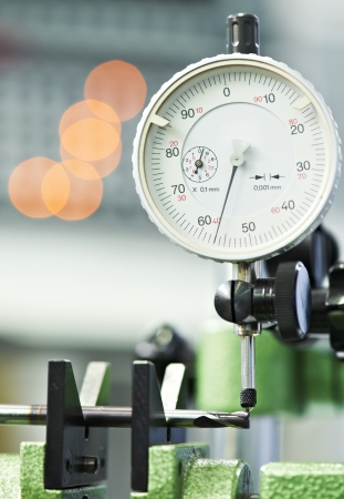 micrometer: tool quality measuring process