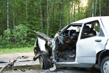 accidente transito: coche aplastar Foto de archivo