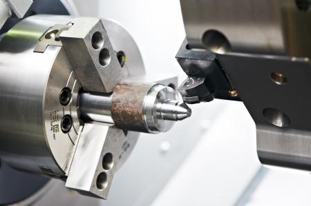 proceso de mecanizado de metal blanco Foto de archivo