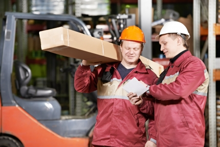 crew: manual workers in warehouse