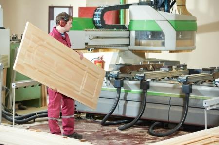 timmerwerk houten deur productie Stockfoto