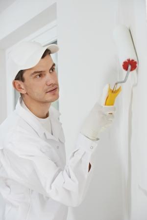 pintora: casa pintor en el trabajo Foto de archivo